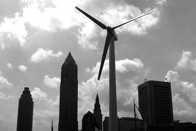 A wind turbine off the coast of Lake Erie in Cleveland, Ohio. Photo: Sam Bobko/Flickr
